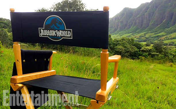 Director-Chair First Official Jurassic World Set Pictures!