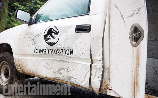 Jurassic-World First Official Jurassic World Set Pictures!
