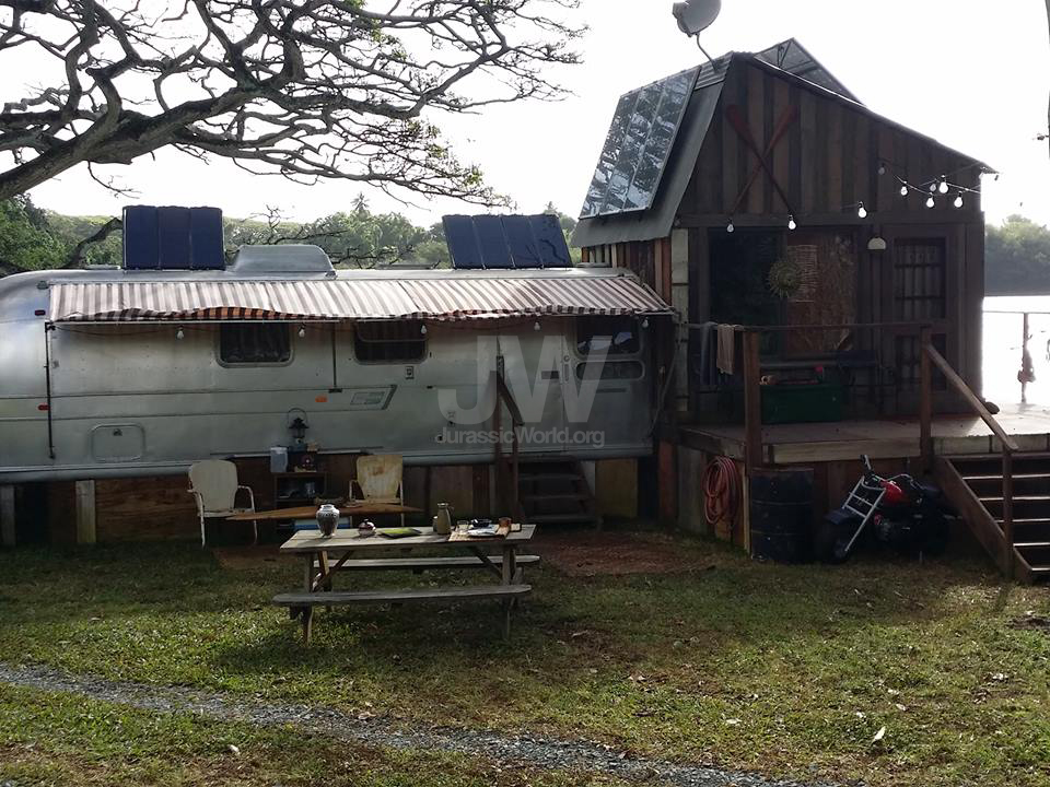 More Pictures Of Owen S Shack On Isla Nubla