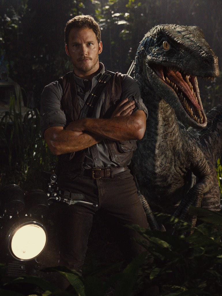 New Chris Pratt / Velociraptor Image