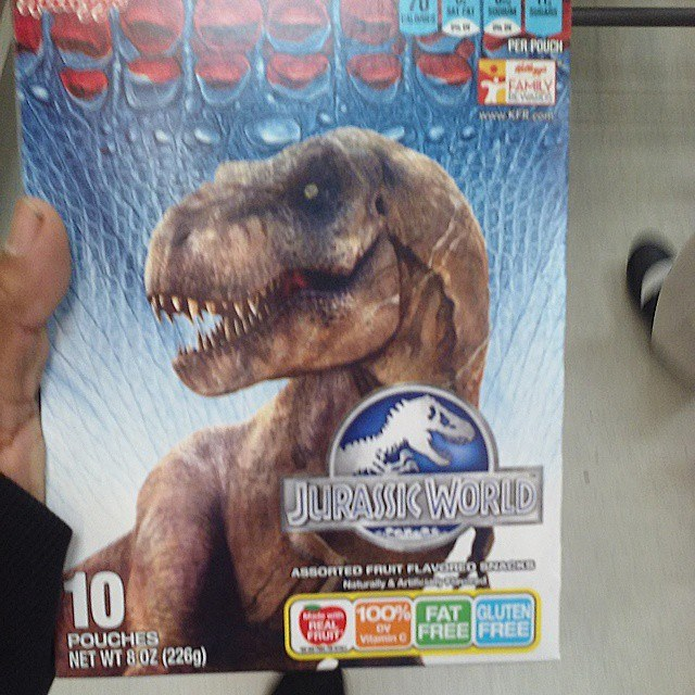 10906304_859761050735074_1352815094966337444_n Jurassic World Featured on Kellogg's Cereal Snacks