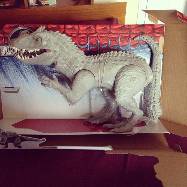 ir1 Toy Review: Electronic Indominus Rex by Hasbro