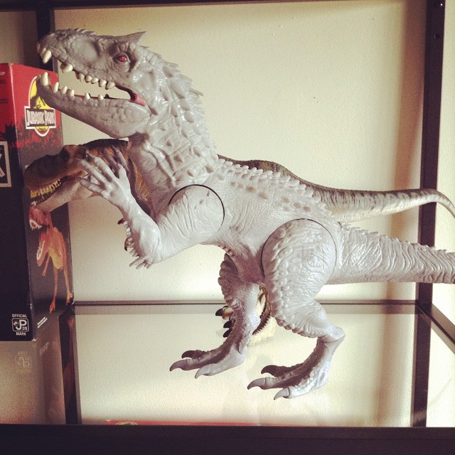 ir14 Toy Review: Electronic Indominus Rex by Hasbro