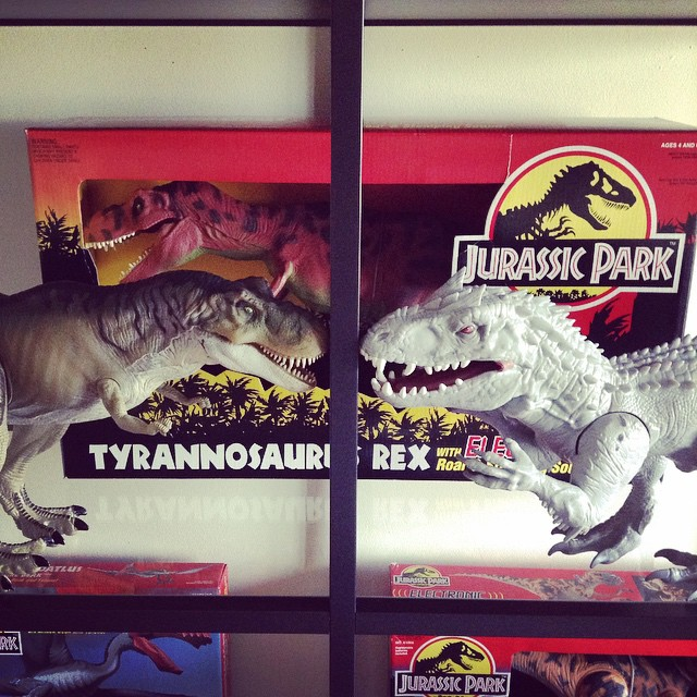 ir16 Toy Review: Electronic Indominus Rex by Hasbro