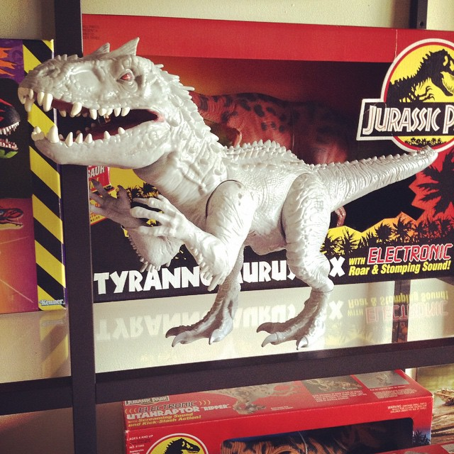 ir17 Toy Review: Electronic Indominus Rex by Hasbro