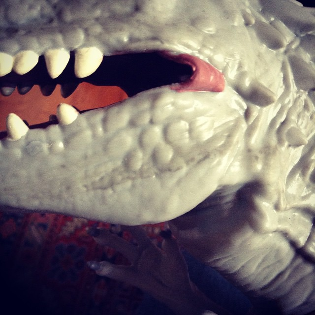 ir5 Toy Review: Electronic Indominus Rex by Hasbro