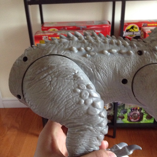 ir8 Toy Review: Electronic Indominus Rex by Hasbro